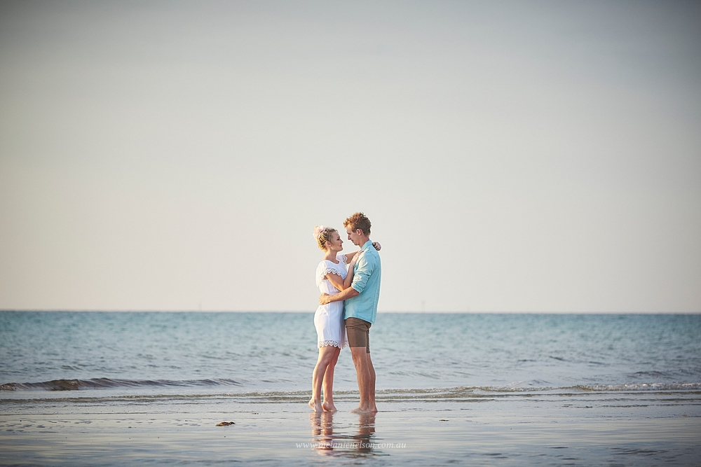beach_engagement_photography_adelaide_0009.jpg