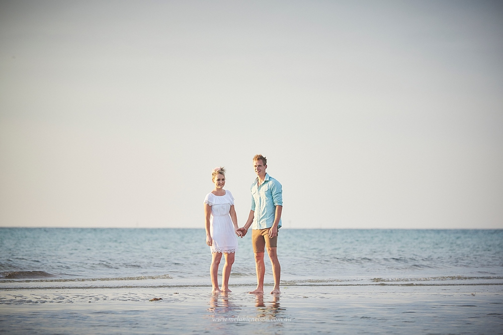 beach_engagement_photography_adelaide_0011.jpg