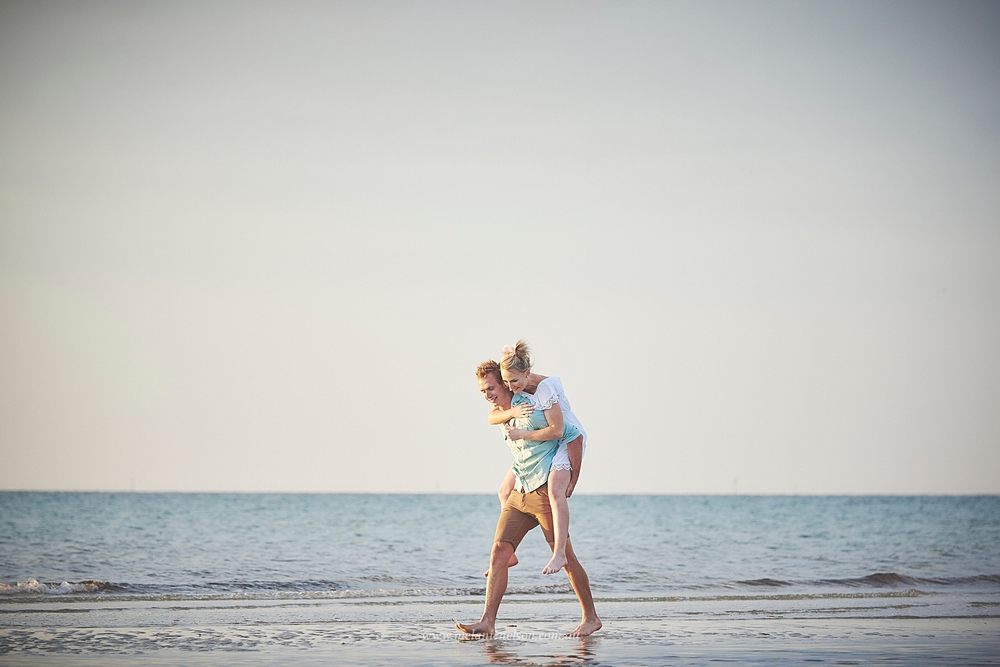 beach_engagement_photography_adelaide_0012.jpg