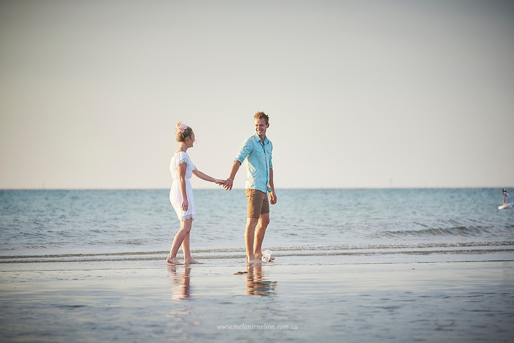 beach_engagement_photography_adelaide_0017.jpg