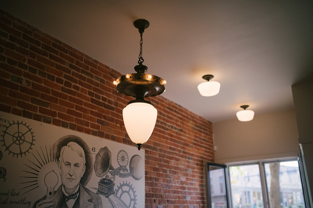 Edisons-Cafe-Stratford-Interior-010.jpg