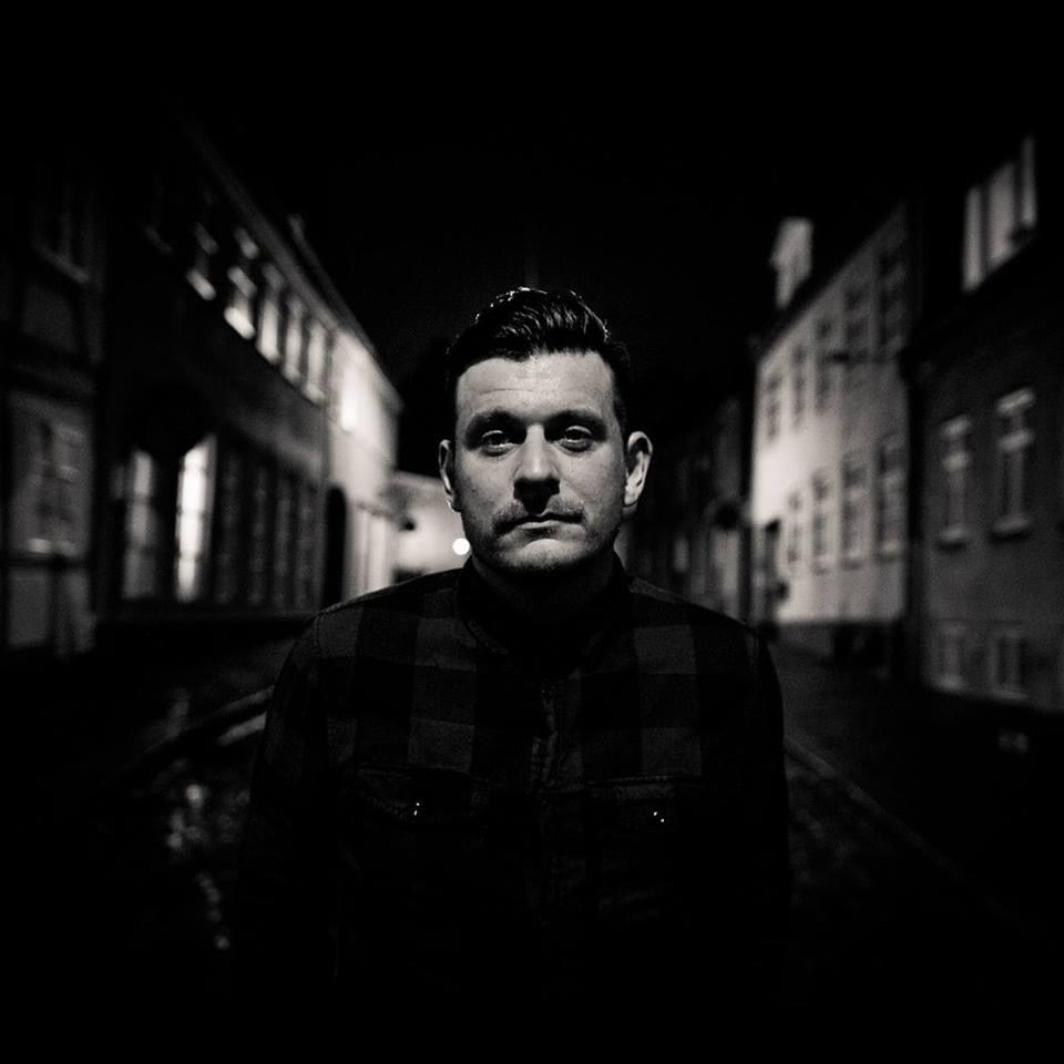 Mikkel Larsen /Booker