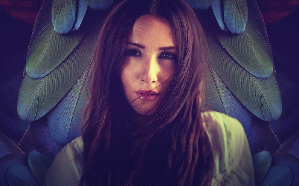 Maria Marcus er en succesrig svensk producer og sangskriver, som sammen med bl.a. Chief 1 og Thomas Stengaard er instruktør på Music Maker Co-Write.