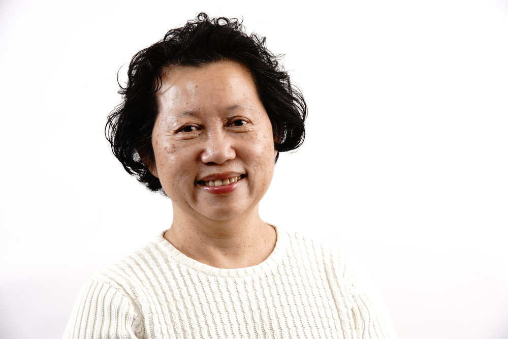"Yoke Kennedy (English, Cantonese, Mandarin) Yoke joined us in 2003 and works extensively in supporting individuals and families experiencing issues such as divorce or separation, child custody and support, family violence, and mental health.   Yoke works to empower and develop the personal autonomy and individual strengths of her clients, whether they are international students, work permit holders, cross-cultural couples, or permanent residents Yoke holds a Bachelor of Arts (Honours) in History and English from McMaster University, a Master of Education from the University of Cincinnati and a Master of Social Work from Wilfrid Laurier University. Originally from Singapore, Yoke has made K-W her home since 1990, after residing in Cincinnati, Hamilton and Oakville. She has worked in the settlement and integration sector since 1992, at first as an ESL instructor.  When she's not busy here, she remains involved in our community as a Board member of KW Counselling Services, a member of the Chinese Canadian Women's Federation, and is the founder of South East Asian Family Support Group. And in her ""spare time""?  Gardening, reading, swimming and meditation."
