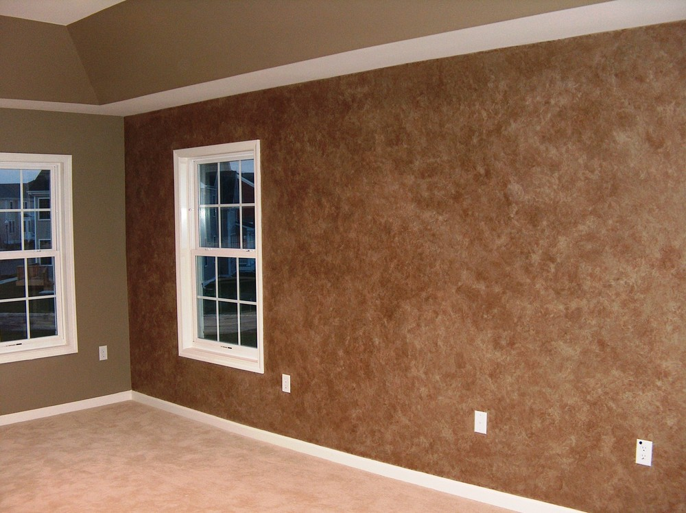 Interior Brown Wall Paper Combined With Dark Beige