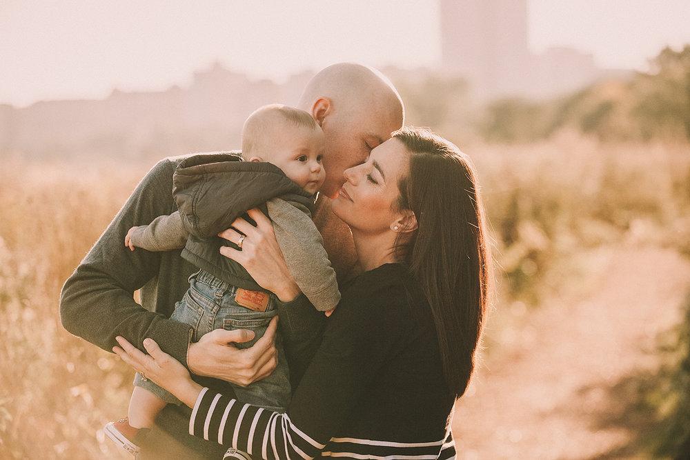 Fall-Chicago-Family-Hug-Photography