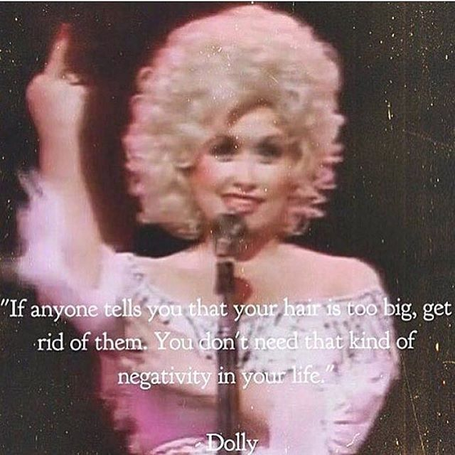 Basic information 💁...Have a great weekend everybody..... Excellent post and #regram from @theyellowhairedgirl one of the best account to follow always smart and funny.  #dollyparton #dollyism #friday #weekend #fridayfeeling #hair #basic #regram #freelance