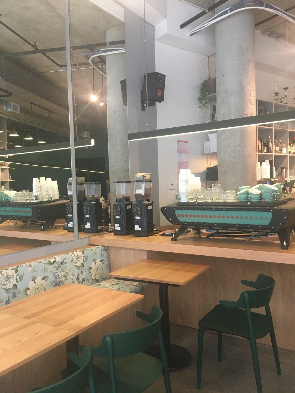 monopole cafe, restaurants montreal, new restaurants montreal, nouveaux restaurants montreal, melisse restaurant, hà vieux montréal, miel restaurant