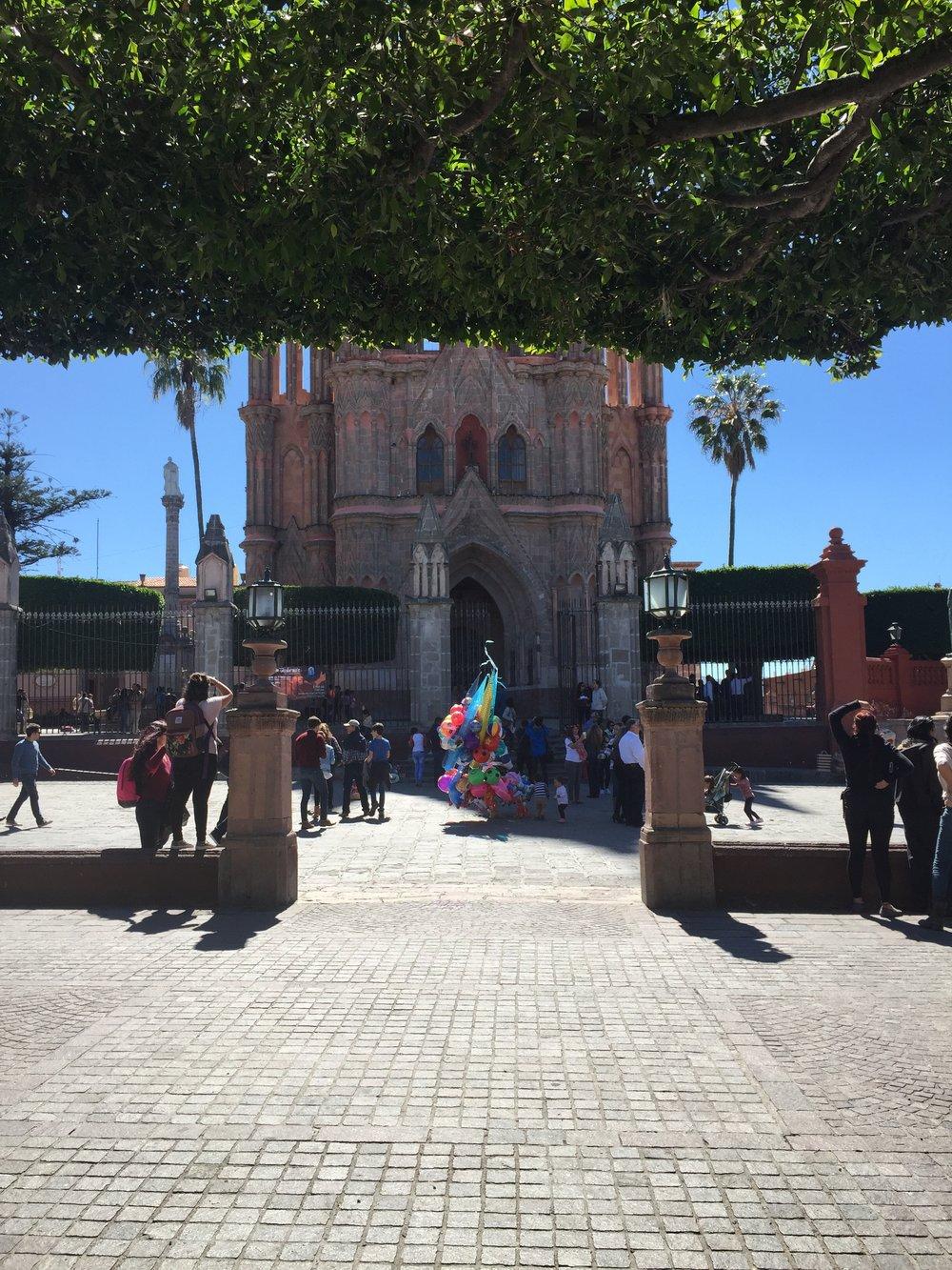 Photo Credit : Lucía Ortega; Parroquia San Miguel de Allende