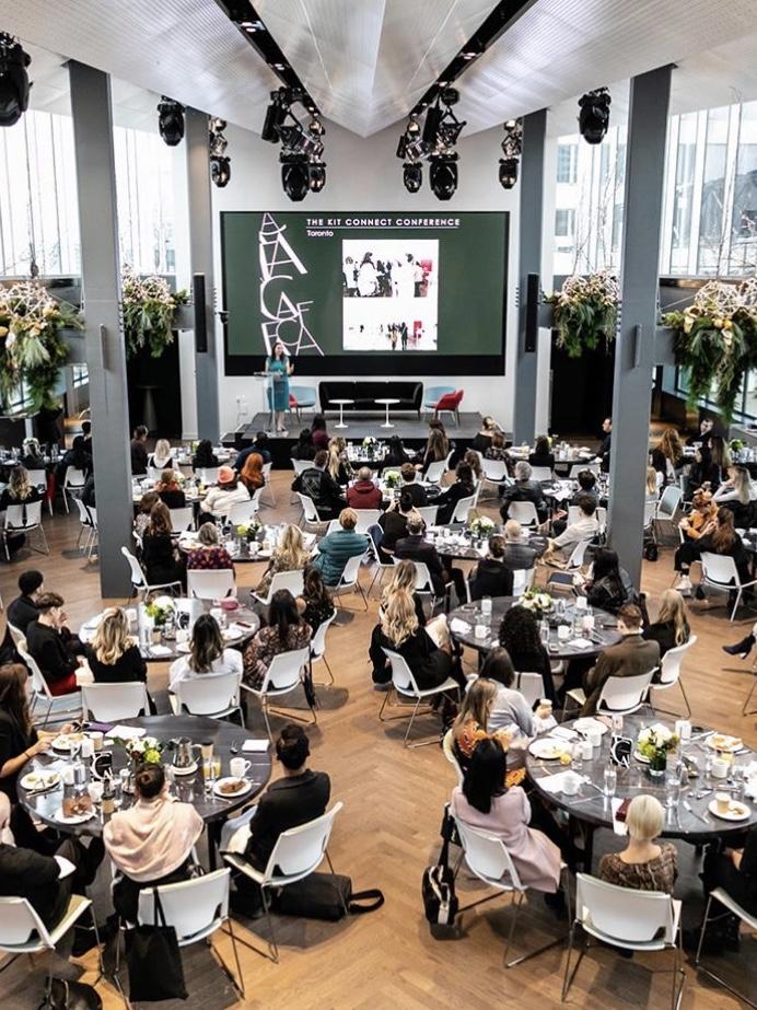 L'évènement #FashionConnects dans la salle C2 du Fairmount Reine Élisabeth, Crédit Photo:  JF Galipeau