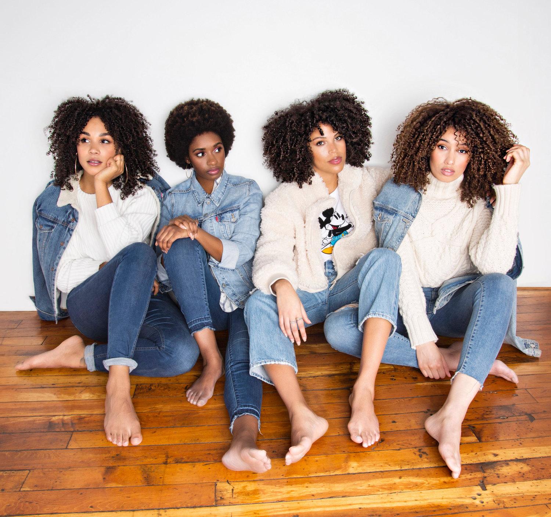 Afro, feminism, black history month, back girls, black hair, cheveux frisés, boucles, cheveux crépus, noire, mois de l'histoire des noirs, curly hair, nappy
