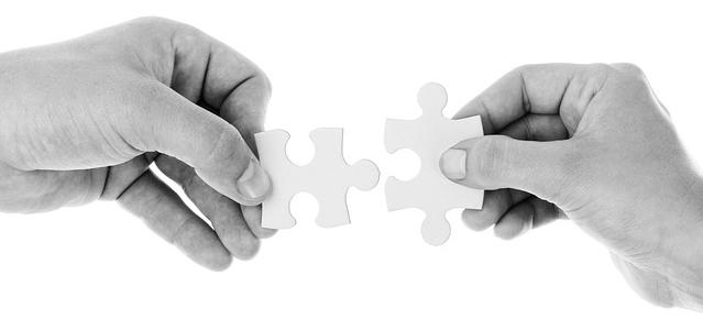 Support Puzzle Hände.jpg