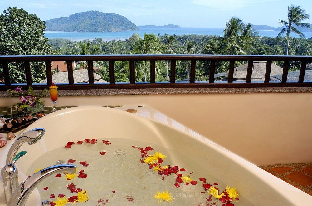 Phuket-Resorts-Mangosteen-Resort-and-Ayurveda-Spa-Royal-Jacuzzi-Villa-31.jpg