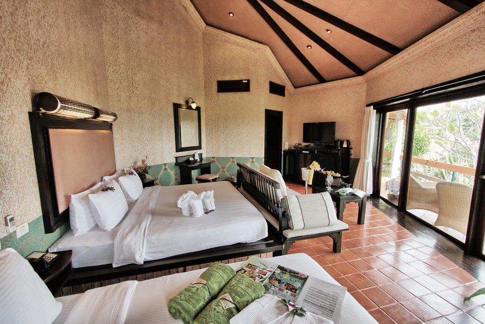 Deluxe-Jacuzzi-Villa-@-Mangosteen-Resort-Phuket-5.jpg