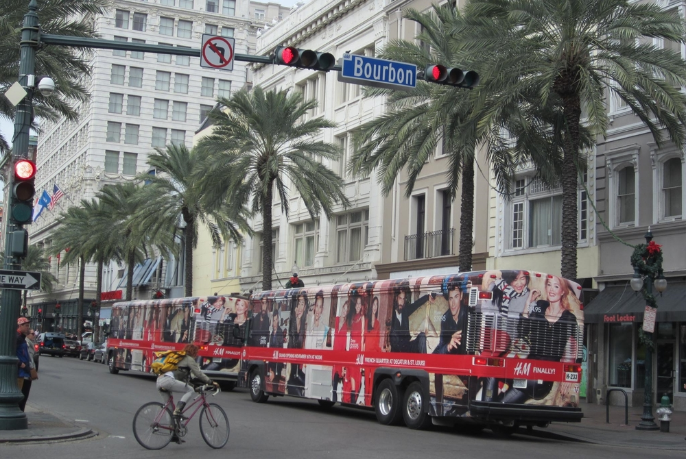 NEW ORLEANS CLOSED-TOP DOUBLE DECKERS