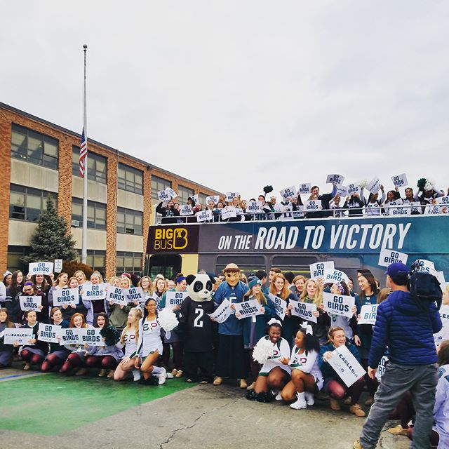 On the #PhiladelphiaEagles #VictoryBus tour with @nbcphiladelphia this morning! We visited Bonner High and Greenfield Elementary and collected more messages and signatures for the #Eagles ! 🏈🦅 Catch it at 1pm at 2nd and Market Sts downtown!