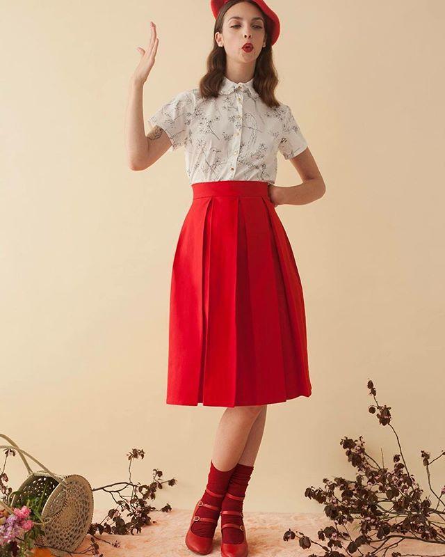 Las faldas Berry están online desde el talle S hasta el talle XL y el sábado entran hasta el XXL ❤️ son de algodón 100%