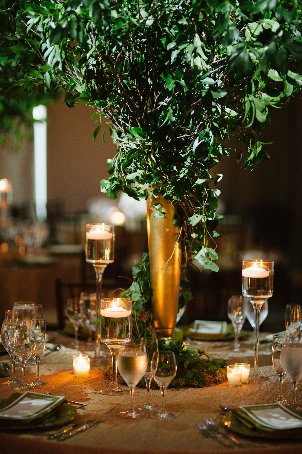 CENTERPIECE TREE