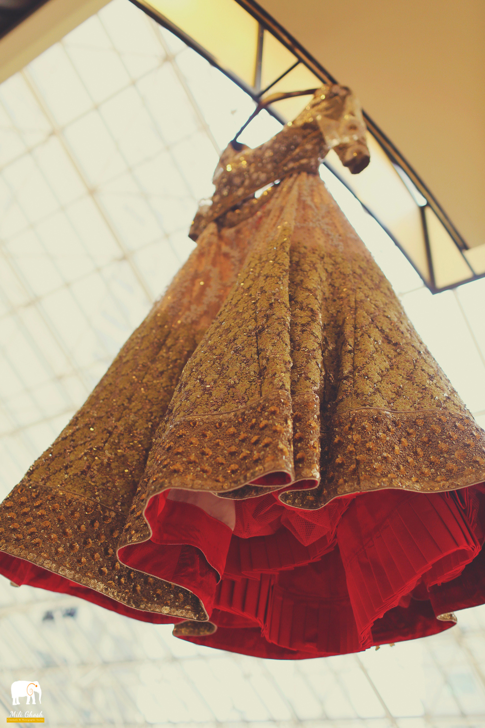 HANGING WEDDING SAREE