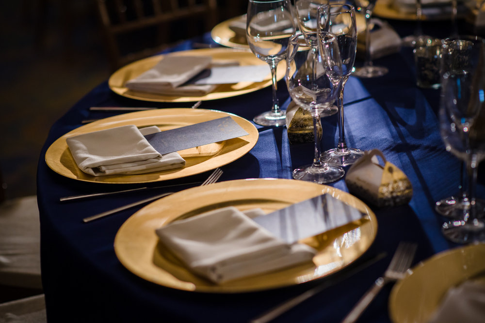 GOLD CHARGERS NAVY LINENS.jpg