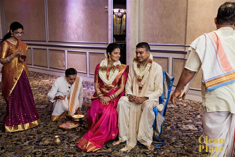 HINDU OONJAL BRIDE AND GROOM WEDDING.jpg