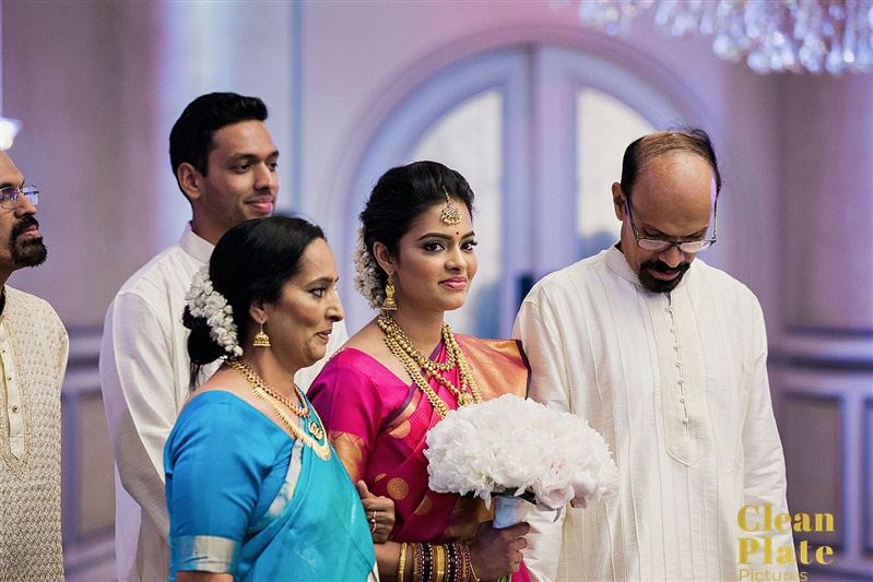 INDIAN BRIDE HINDU WEDDING CEREMONY.jpg