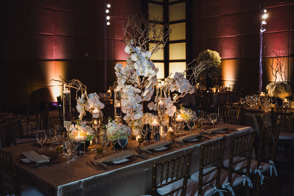INDIAN WEDDING TABLE SETTING WITH CENTERPIECE2.JPG