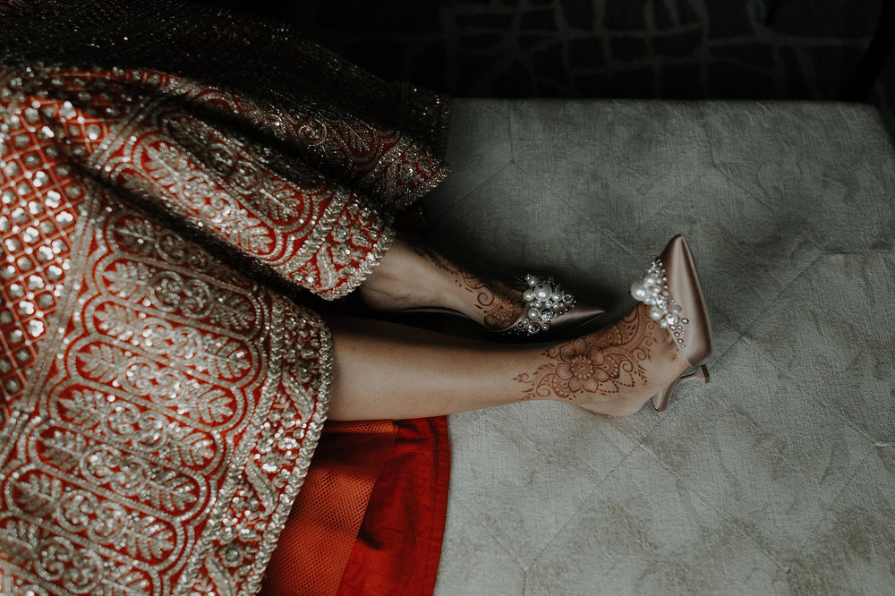 INDIAN WEDDING BRIDE HENNA WITH SHOES.jpg