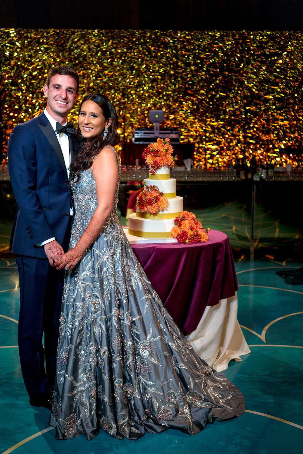 INDIAN WEDDING BRIDE AND GROOM CAKE SHOT2.JPG