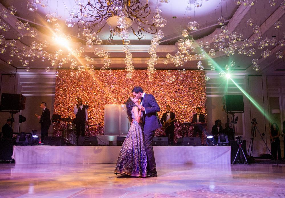 INDIAN WEDDING BRIDE AND GROOM DANCING2.jpg
