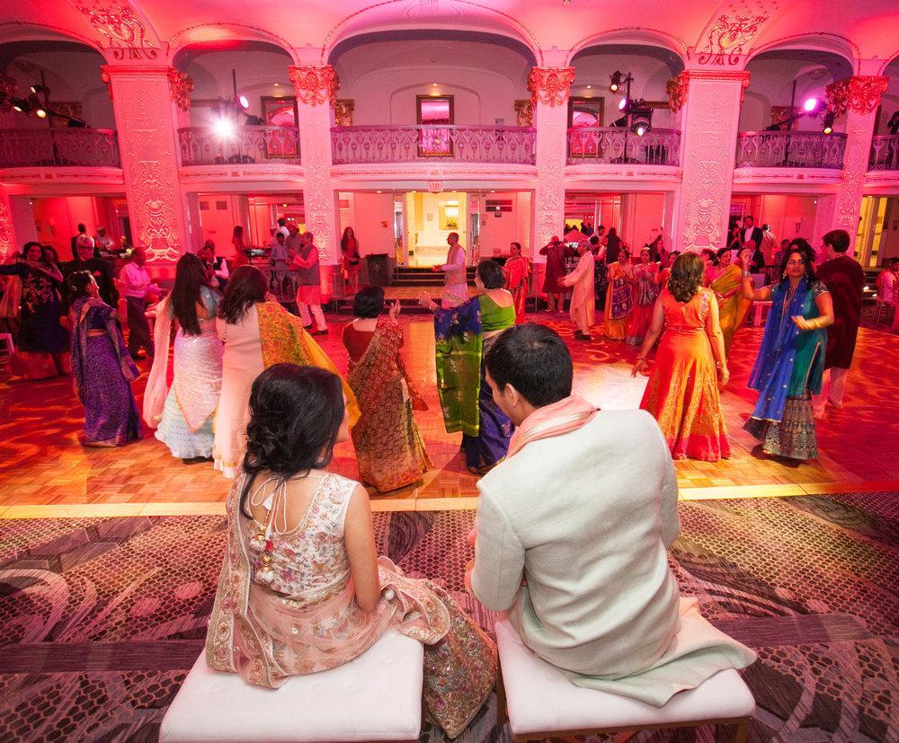 INDIAN WEDDING BRIDE AND GROOM RECEPTION.jpg