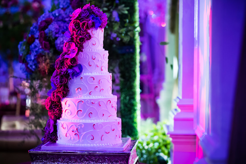 INDIAN WEDDING CAKE DECOR.jpg