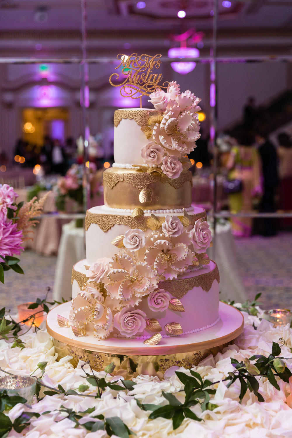 INDIAN WEDDING RECEPTION CAKE.jpg