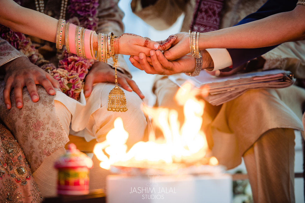 INDIAN WEDDING CEREMONY FIRE.jpg