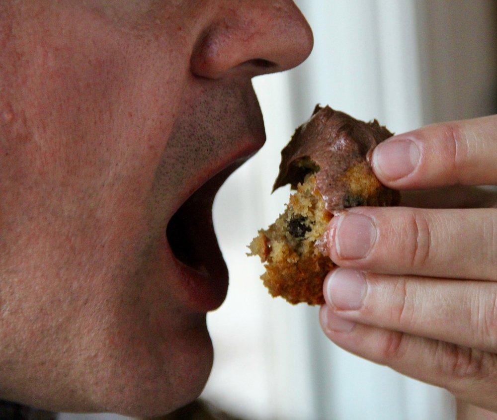 jeff eating cupcake