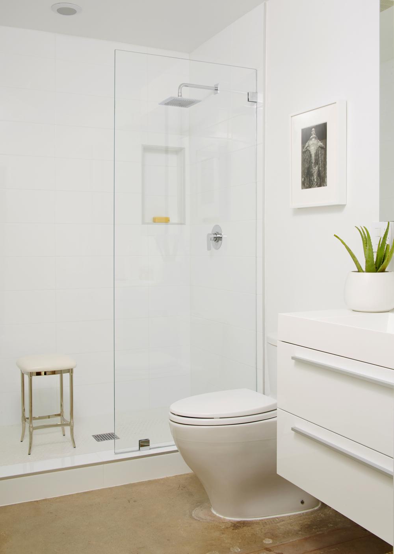 AG - Bathroom.jpg