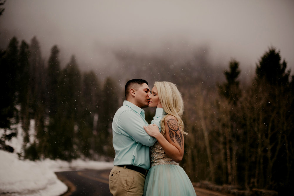 liz osban photography cheyenne wyoming colorado rocky mountain national park estes park engagement wedding love