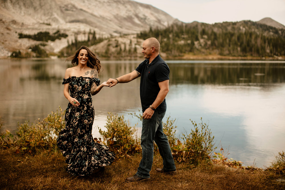 liz osban photography wyoming engagement wedding love couple snowy range mountains medicine bow peak centennial wy cheyenne laramie elopement adventure elope prairie
