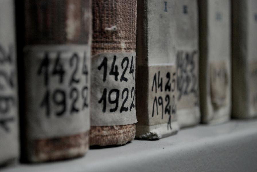 book-283245_1920.jpg