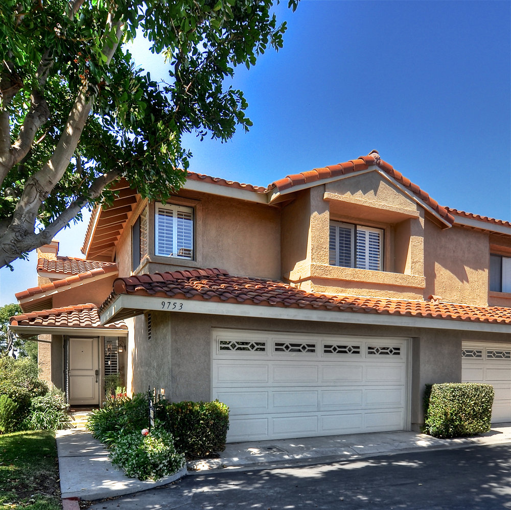 Mariposa Townhome - SOLD BY MARIA X for $655,5009753 Bird Ct. Fountain Valley, CA3 Bedroom, 2.5 Baths, 1887 sq/ft. (A)