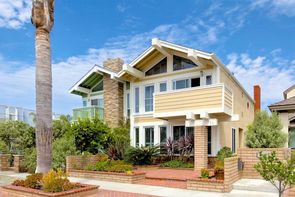 PENDING - 507 18th St.Offered at $999,9003 Bedrooms, 2.5 Baths, 1786 sqft