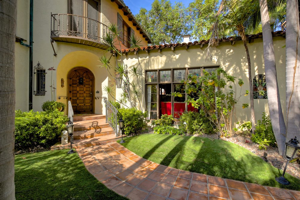 243 Euclid Ave Long Beach CA-print-007-23-243Euclid 007-4200x2801-300dpi.jpg