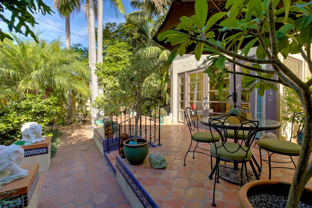 243 Euclid Ave Long Beach CA-print-061-31-243Euclid 061-4200x2797-300dpi.jpg