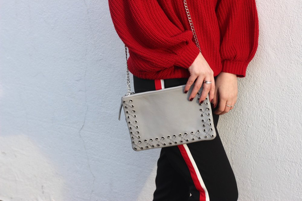 Au Courant Life wearing grey crossbody bag from Topshop