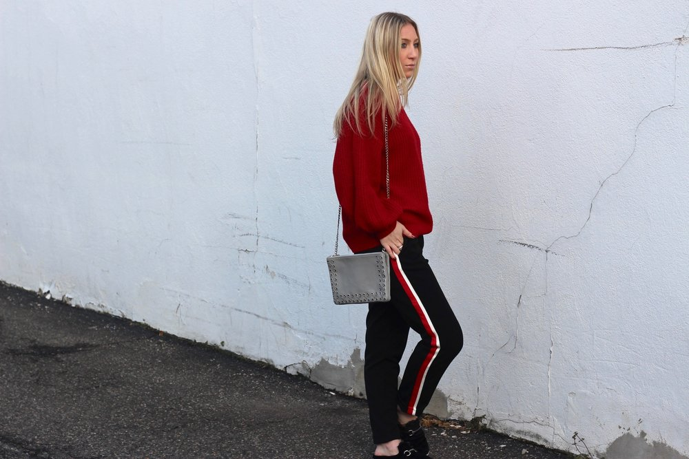 Carly of Au Courant Life in crossbody bag by Topshop and Jeffrey Campbell slides