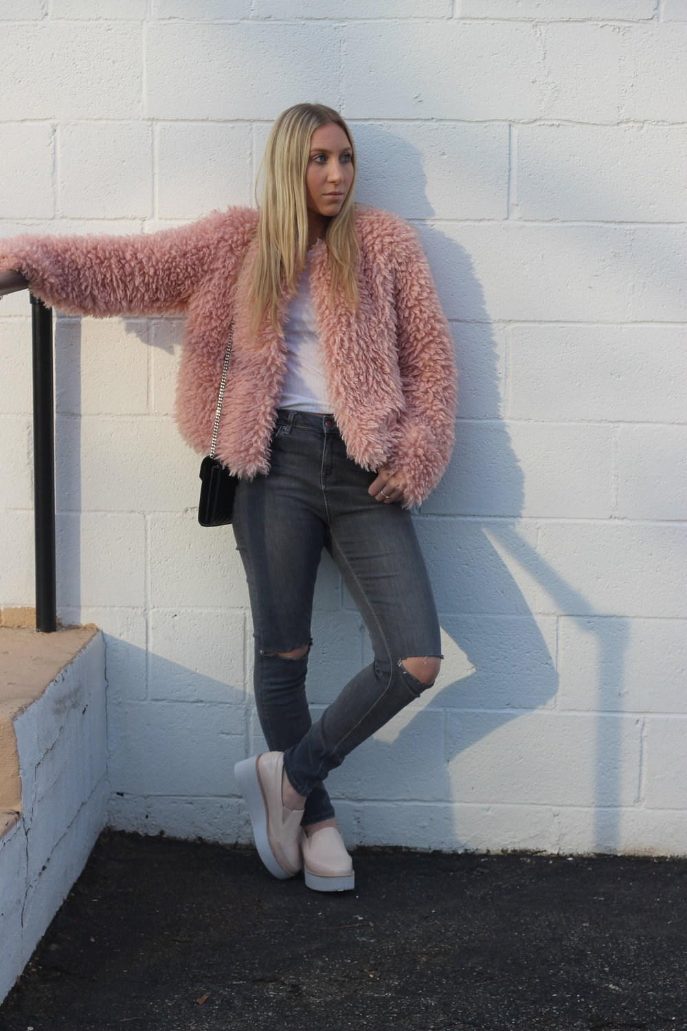 Carly of Au Courant Life in pink monochrome outfit