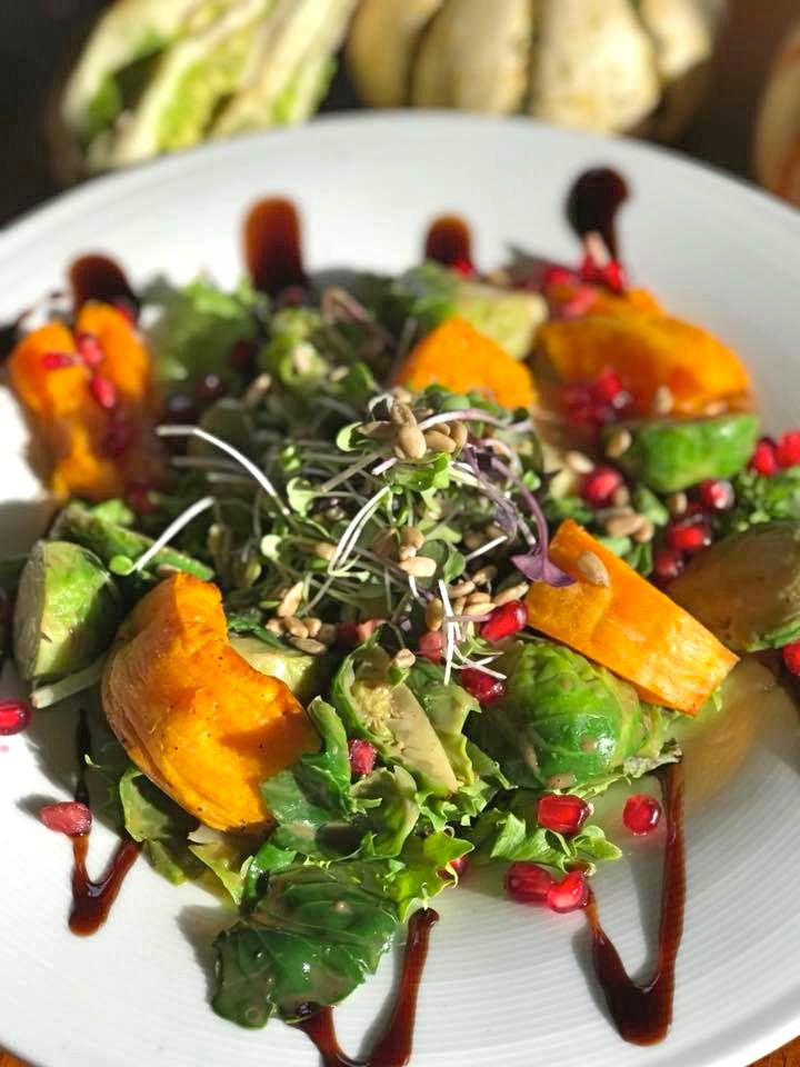 BoatHouseGrilleEssexFallSeasonalSalad.jpg