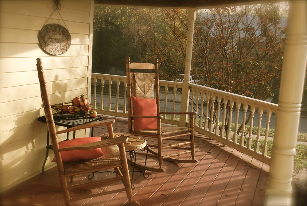 A cool peaceful November morning at McKBnB.