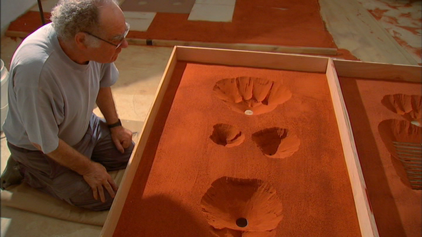 Sculptor Micha Ullman. Still from the film Out in the World.