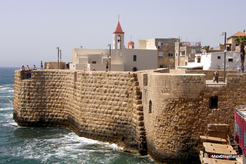Akko coastline. Photo by Max Nathans, courtesy    Creative Commons